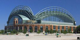 Miller Park, Milwaukee, Wisconsin. Image by Greg Hume from Wikipedia Commons.